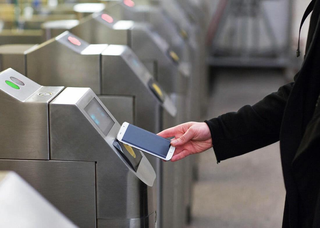 Как оплачивать проезд в метро телефоном: перевод денег за проезд в метрополитене и автобусе с помощью мобильного в Москве и других городах